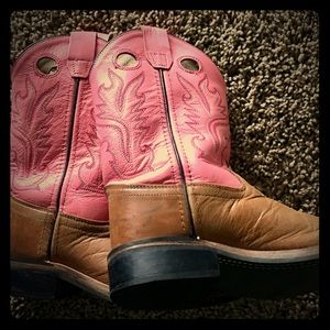 Get rodeo ready! Pink and tan cowboy boot